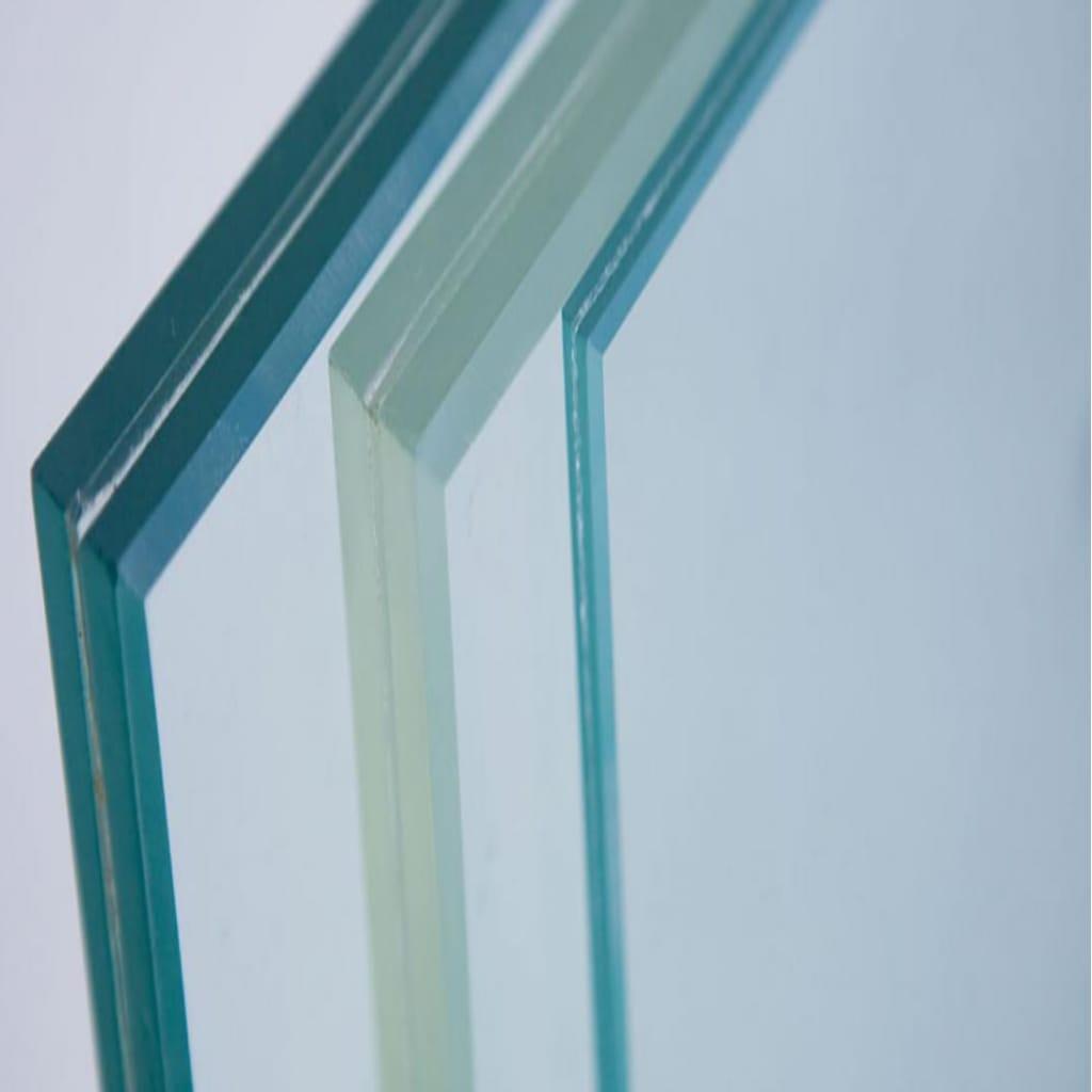 Alguns tipos de vidros acústicos que podem ser usados com esquadrias de PVC, para isolar o som de um quarto em grandes cidades.